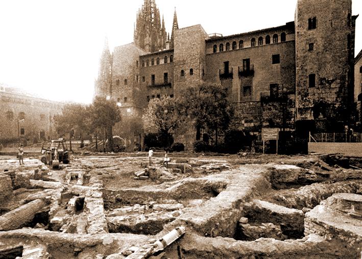 Història de Catalunya.Monturiol .Avda Catedral, muralles i excavacions aparcament