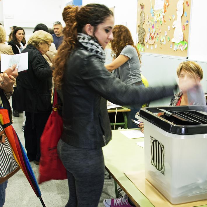 Història de Catalunya. 9N votant